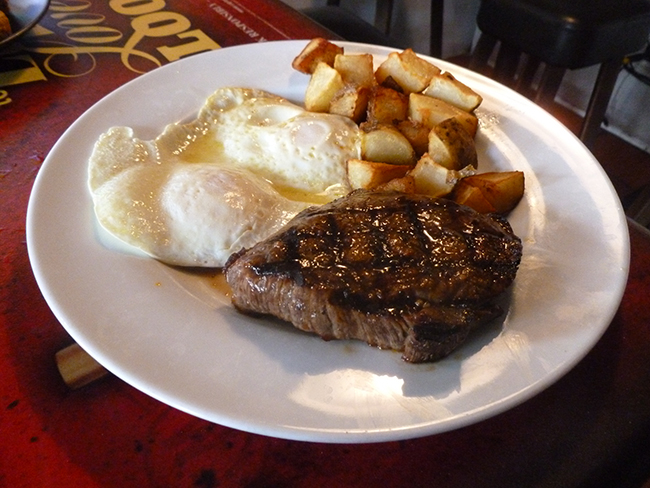 Camel's Breath Inn keeps it simple with a juicy top sirloin. (Photo by Frank Sabatini Jr.)