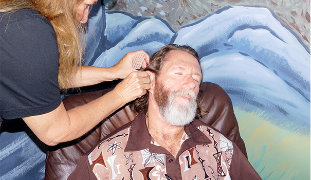 Acupuncture clinic heals veterans for free